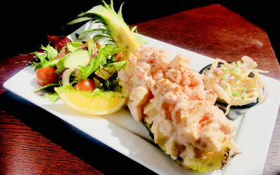Lunch Specials (Fresh Pineapple, Prawn & Marie Rose Salad)